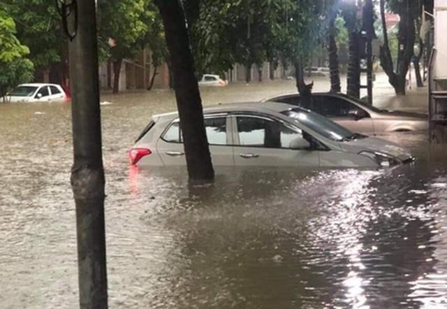 3 người chết, 43 ô tô hư hỏng trong mưa lũ ở Thái Nguyên - 1
