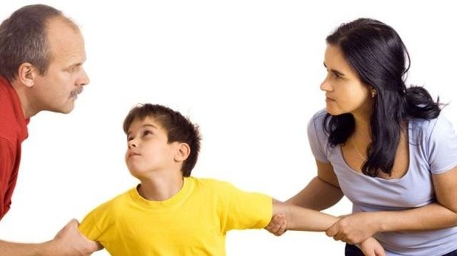 Những hệ lụy khi con tắm mình trong xung đột của cha mẹ - 1