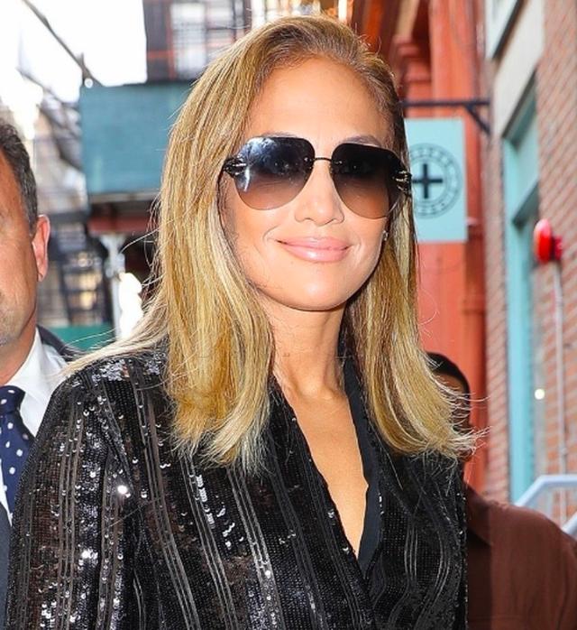 Jennifer Lopez được khen ngợi xuất sắc khi vào vai vũ nữ thoát y - 11