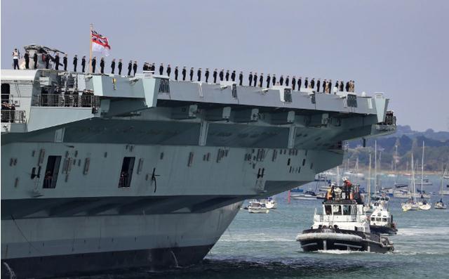 Trung Quốc lớn tiếng cảnh báo Anh đưa tàu sân bay tới Biển Đông - 1