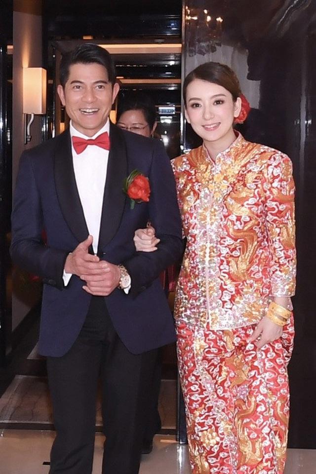 Hôn nhân viên mãn của Quách Phú Thành bên vợ trẻ kém 22 tuổi - 10