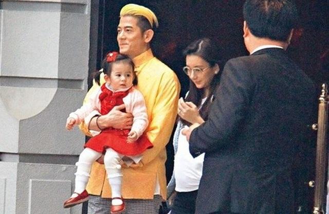 Hôn nhân viên mãn của Quách Phú Thành bên vợ trẻ kém 22 tuổi - 11