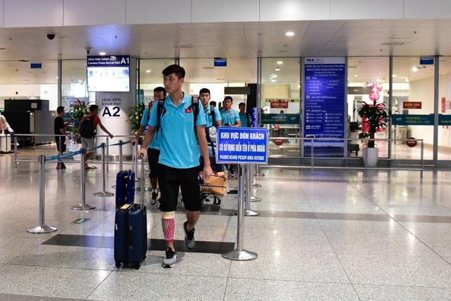 Đội tuyển U22 Việt Nam về nước sau trận thắng ấn tượng U22 Trung Quốc - 1