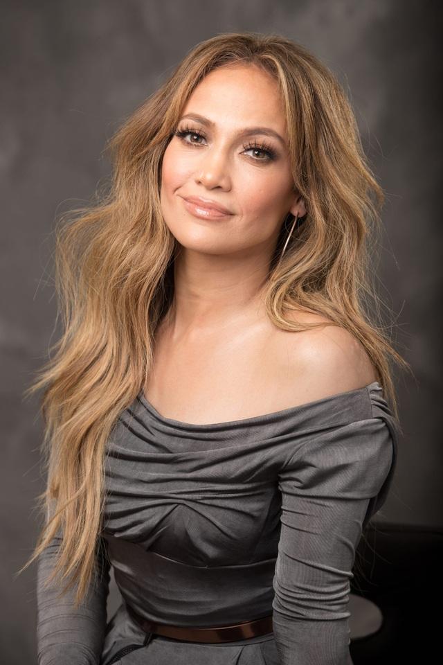 Sửng sốt xem Jennifer Lopez tập múa cột dẻo dai ở tuổi 50 - 3