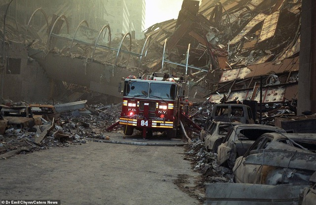Hình ảnh lần đầu công bố về hiện trường thảm khốc vụ khủng bố 11/9 - 7
