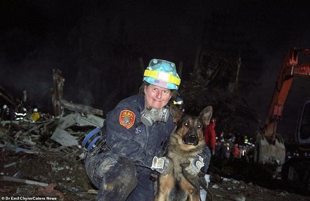 Hình ảnh lần đầu công bố về hiện trường thảm khốc vụ khủng bố 11/9 - 12