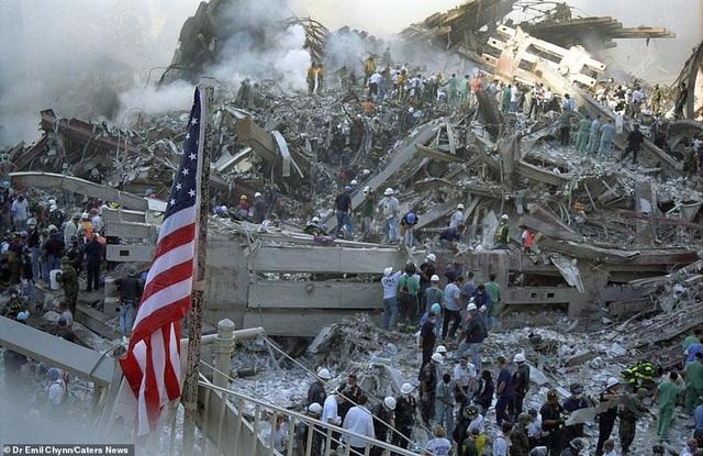 Hình ảnh lần đầu công bố về hiện trường thảm khốc vụ khủng bố 11/9 - 2