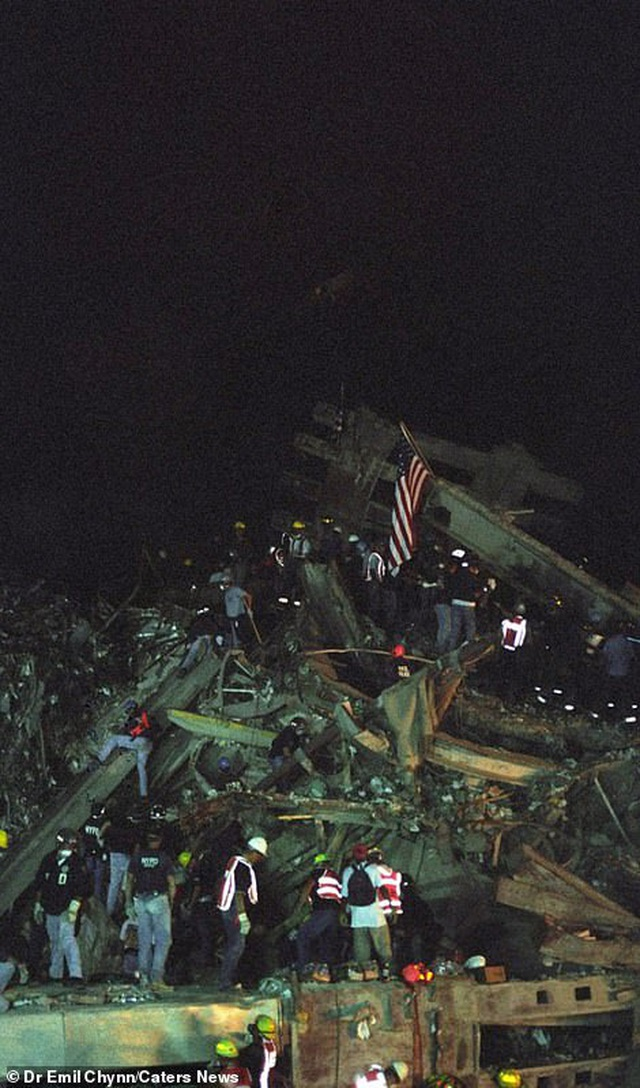Hình ảnh lần đầu công bố về hiện trường thảm khốc vụ khủng bố 11/9 - 1