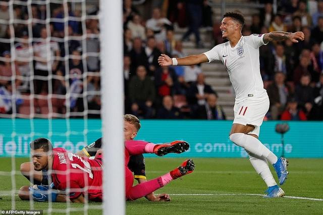 Tuyển Anh thắng Kosovo trong cơn mưa bàn thắng ở Wembley - 1