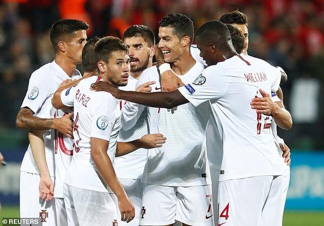 C.Ronaldo ghi 4 bàn, Bồ Đào Nha đại thắng ở vòng loại Euro 2020 - 6