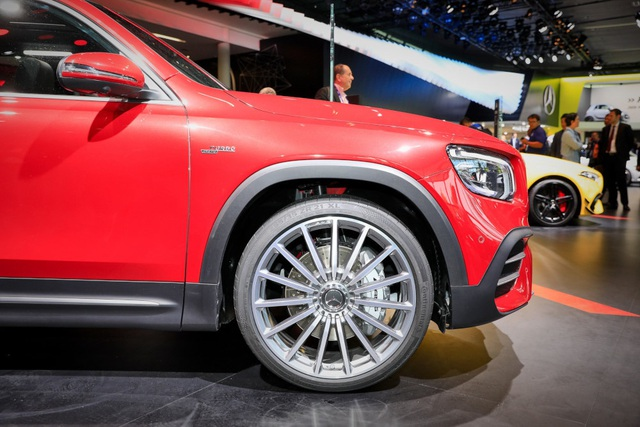 Mercedes-AMG GLB 35 gia nhập phân khúc SUV cỡ nhỏ - 4
