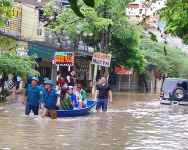 3 người chết, 43 ô tô hư hỏng trong mưa lũ ở Thái Nguyên - 4