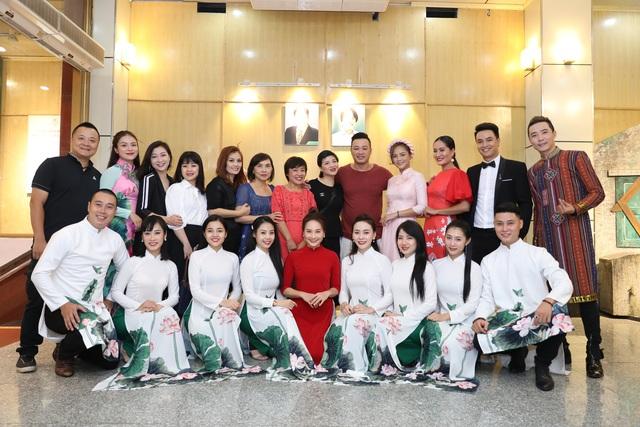 """Thu Quỳnh, Bảo Thanh vui vẻ nói cười trước tin đồn """"không nhìn mặt nhau"""" - 13"""