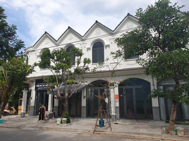 Được cấp phép xây 5 căn nhà ở riêng lẻ nhưng bà Huyền cho xây dựng thành 34 căn hộ cho thuê