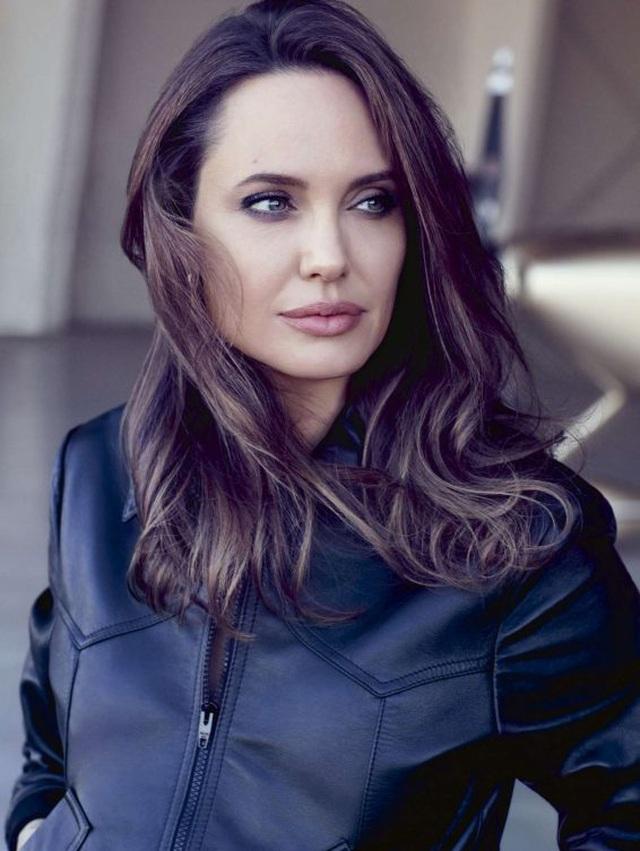 Angelina Jolie và Brad Pitt hoàn toàn đối lập về hướng đi sau ly hôn - 5