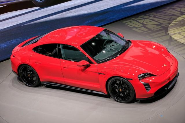 Tân binh Taycan ra mắt - Xe chạy điện nhưng không mất chất Porsche - 11