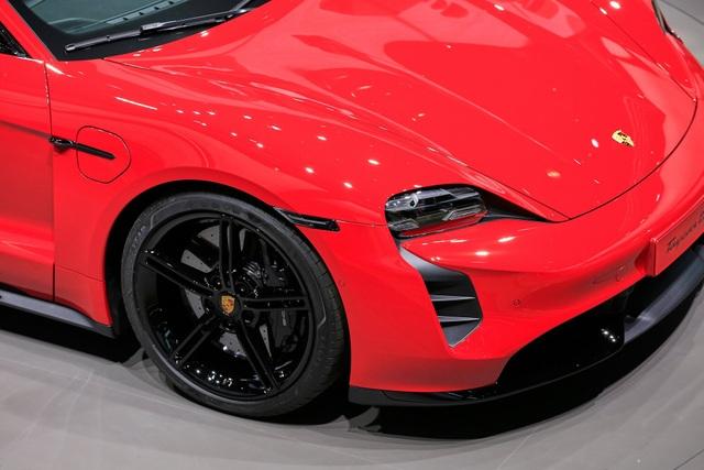 Tân binh Taycan ra mắt - Xe chạy điện nhưng không mất chất Porsche - 7