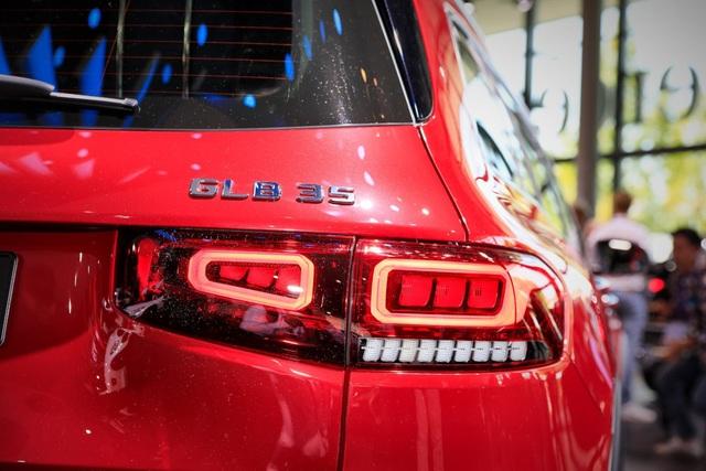 Mercedes-AMG GLB 35 gia nhập phân khúc SUV cỡ nhỏ - 8