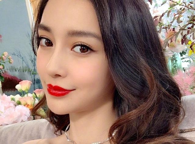 Angelababy nói gì trước tin đồn ly hôn Huỳnh Hiểu Minh - 1