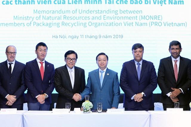 Nỗ lực giải quyết vấn đề chất thải rắn và rác thải nhựa - 1