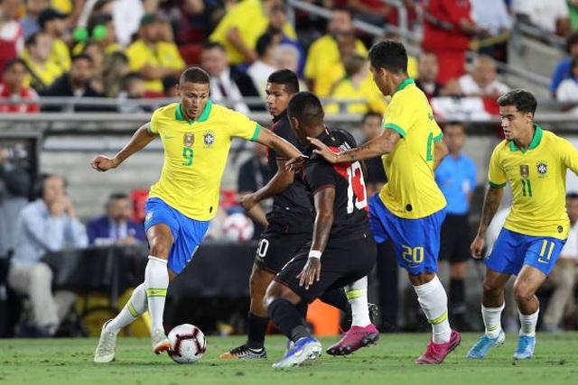 Argentina thắng đậm Mexico, Brazil bất ngờ thất bại trước Peru - 2