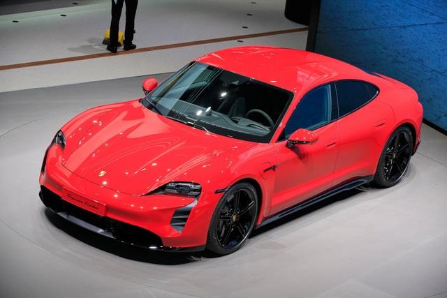 Tân binh Taycan ra mắt - Xe chạy điện nhưng không mất chất Porsche - 3