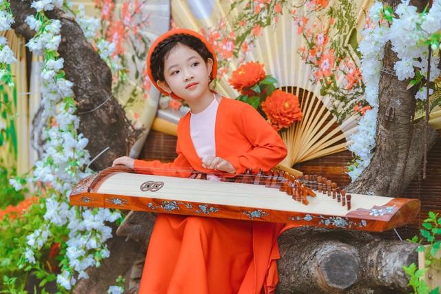 Chị Hằng Nga phiên bản nhí diện trang phục truyền thống đón Trung thu - 8
