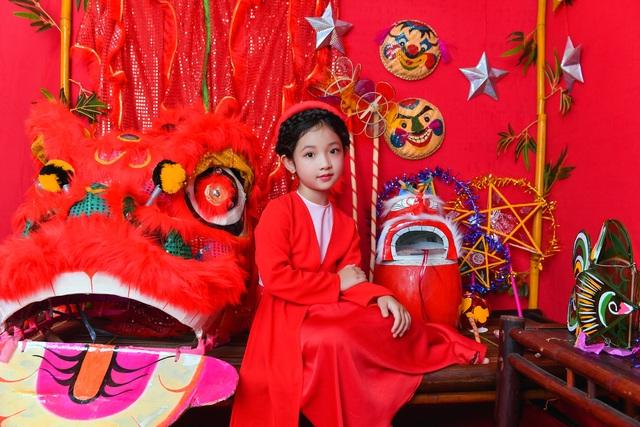 Chị Hằng Nga phiên bản nhí diện trang phục truyền thống đón Trung thu - 13