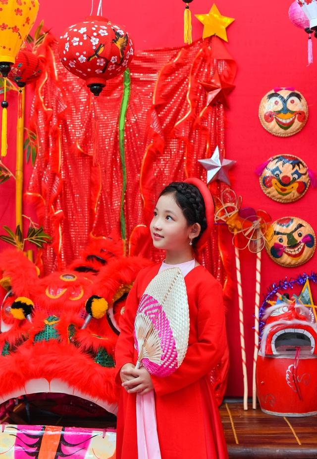 Chị Hằng Nga phiên bản nhí diện trang phục truyền thống đón Trung thu - 12