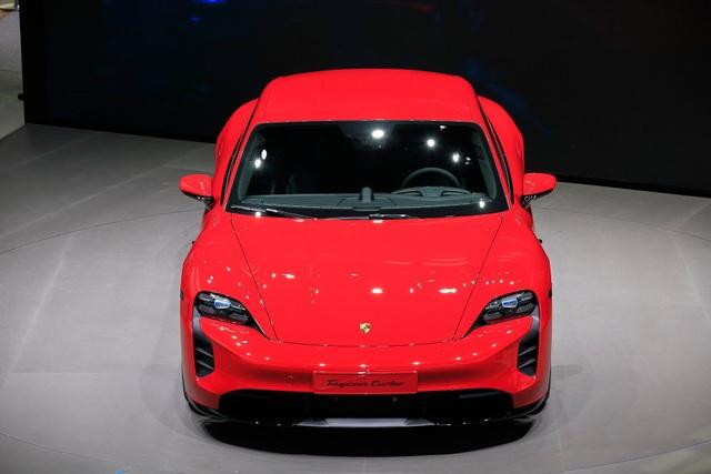 Tân binh Taycan ra mắt - Xe chạy điện nhưng không mất chất Porsche - 6