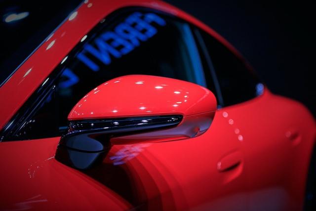 Tân binh Taycan ra mắt - Xe chạy điện nhưng không mất chất Porsche - 4
