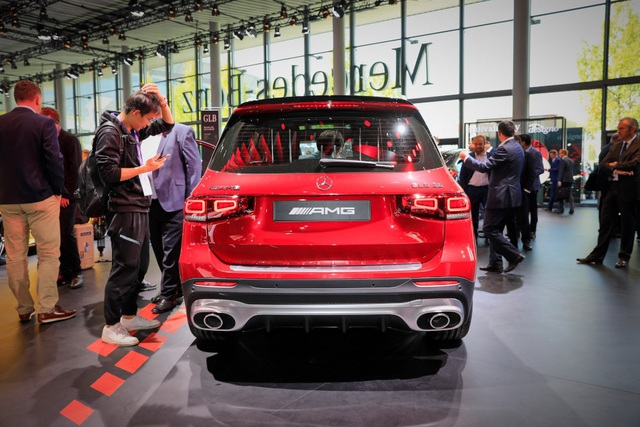 Mercedes-AMG GLB 35 gia nhập phân khúc SUV cỡ nhỏ - 10