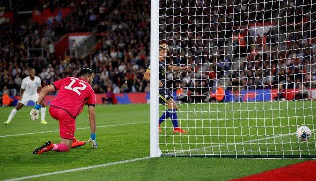 Tuyển Anh thắng Kosovo trong cơn mưa bàn thắng ở Wembley - 4