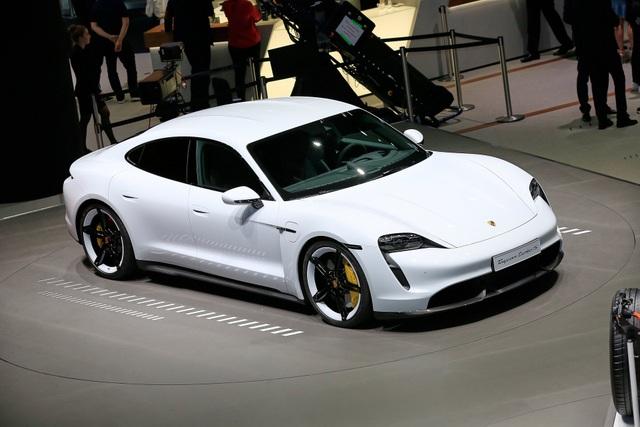 Tân binh Taycan ra mắt - Xe chạy điện nhưng không mất chất Porsche - 28