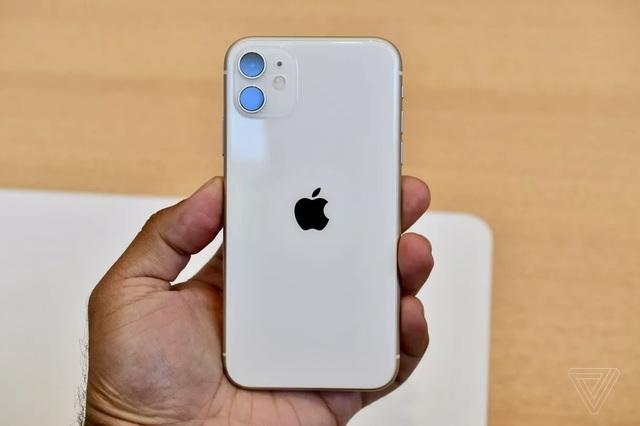 """Cận cảnh iPhone 11 - Chiếc smartphone """"cận cao cấp"""" mới ra mắt  - 3"""