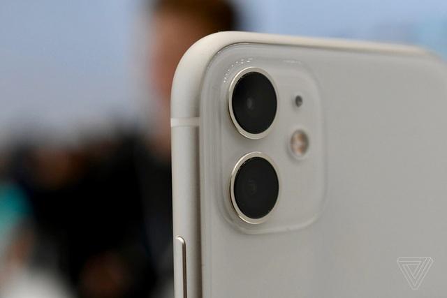 """Cận cảnh iPhone 11 - Chiếc smartphone """"cận cao cấp"""" mới ra mắt  - 4"""