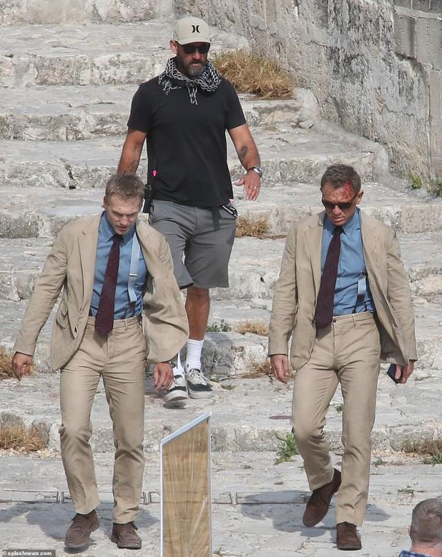 Điệp viên 007 Daniel Craig đọ vẻ điển trai bên người đóng thế - 2