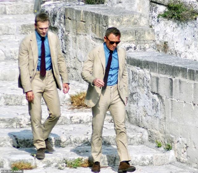 Điệp viên 007 Daniel Craig đọ vẻ điển trai bên người đóng thế - 7