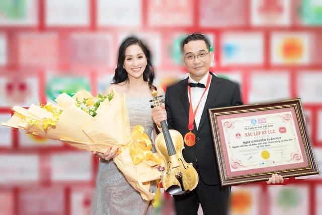 Khánh Thi tiết lộ anh trai nhận kỷ lục Việt Nam về chế tác violin bằng sứ - 2