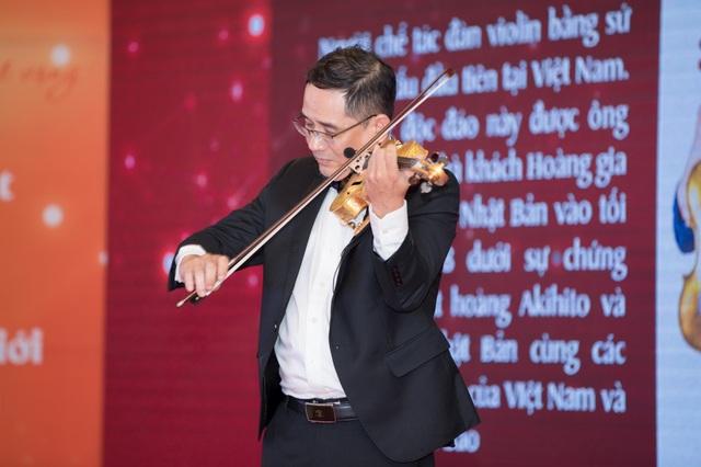 Khánh Thi tiết lộ anh trai nhận kỷ lục Việt Nam về chế tác violin bằng sứ - 5