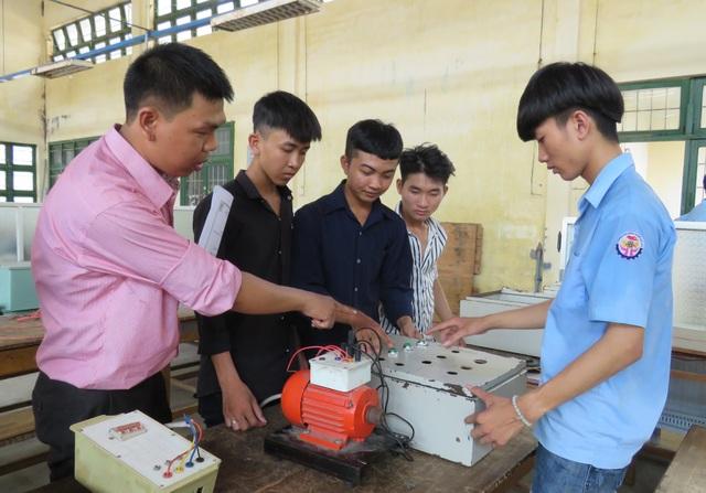 Phú Yên: Thí sinh đạt điểm thi THPT cao nhưng chọn ...học nghề - 2