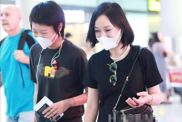 Châu Tấn lộ diện sau tin đồn kết hôn với con gái Vương Phi - 5