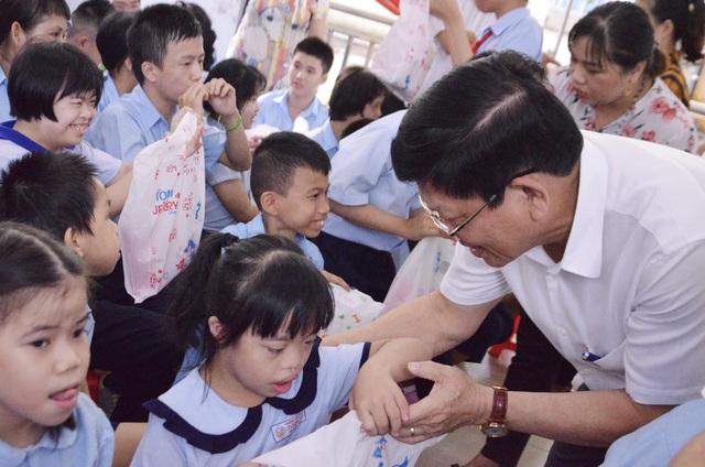 Đà Nẵng: Trao quà Tết Trung thu đến học sinh Trường chuyên biệt Tương Lai - 1