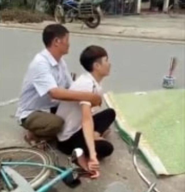 Chồng gào khóc bên người vợ mang thai bị xe tải cán tử vong - 2