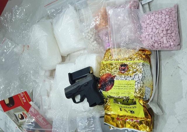 Triệt phá đường dây ma túy có vũ khí nóng từ Campuchia về TPHCM - 3