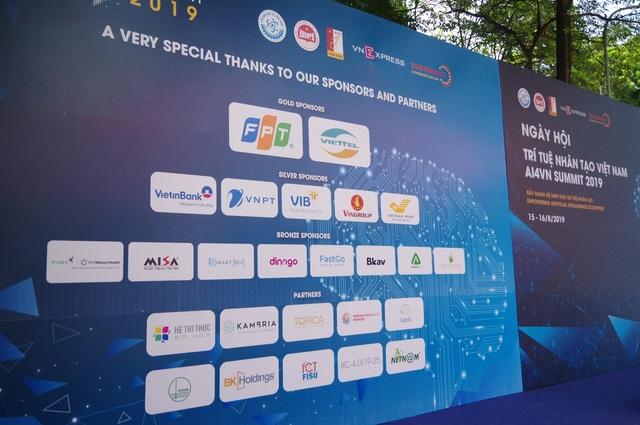 """Ứng dụng """"du lịch không âu lo"""" Dinogo gây chú ý tại Ngày hội Trí tuệ nhân tạo Việt Nam 2019 - 5"""