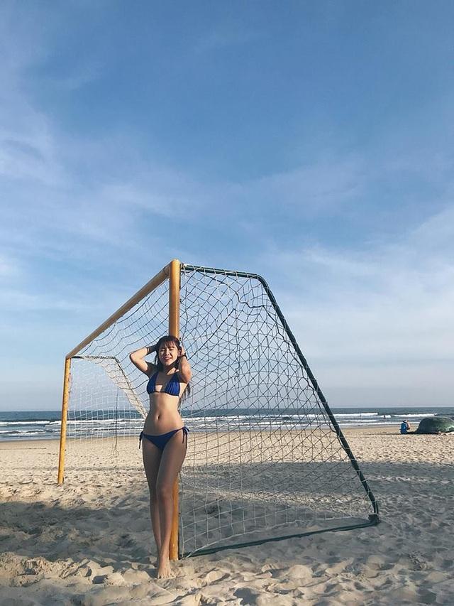 Bạn gái thủ môn Lâm Tây khoe ảnh bikini, chứng minh dáng chuẩn đồng hồ cát - 7