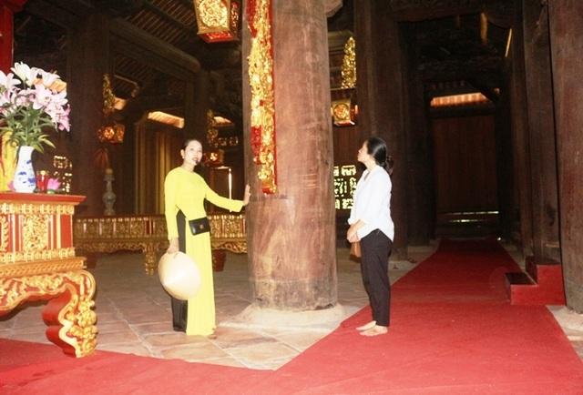 """Kỳ bí câu chuyện cây lim cổ thụ 600 năm tuổi """"hiến thân"""" tại Lam Kinh - 6"""