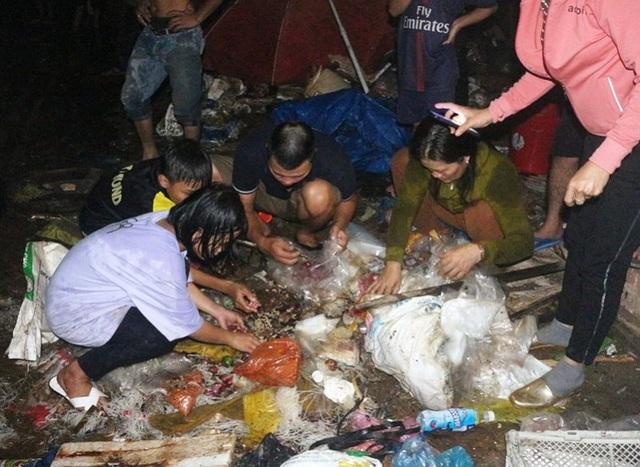 Vài chục tỷ đồng ra tro sau đám cháy lớn ở chợ Mộc Bài - 8