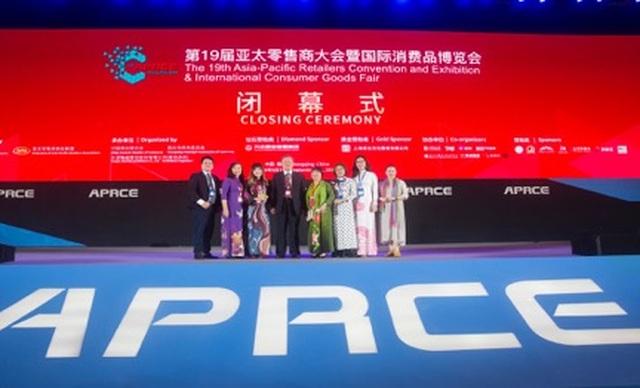 """Liên đoàn hiệp hội bán lẻ châu Á trao giải """"Nhà bán lẻ xanh"""" cho VinMart  VinMart+ - 2"""